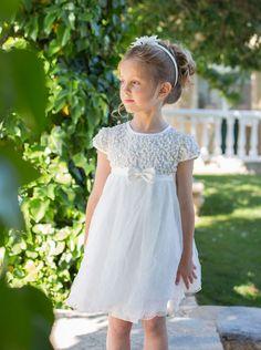 Buenos días, hace un tiempo os enseñé los vestidos de arras para niñas de la marca Magnífica Lulu y os encantaron. Recibí muchas preguntas...