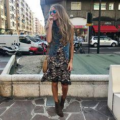 Otro vestido que me tiene in love total con un rollito boho, tipo lencero y super chulo chicas!! 🙌🏻Es by @the_amity_company 😍 #goodnightworld #mdfhimalooks #bohostyle #vestidolencero #theamitycompany •  👉🏼 Desliza y más 📷 en stories