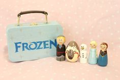 ***HOLIDAY SALE THROUGH NOVEMBER 15TH!****  This listing is for a set of 5 Frozen inspired peg doll set with coordinating case. Each doll