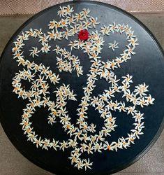 Mandir Decoration, Ganapati Decoration, Ganesh Rangoli, Ganesha, Festival Decorations, Flower Decorations, Rangoli Borders, Pooja Room Design, Flower Rangoli