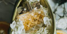 Avon Luck for Her is a sparkling fragrance for the woman fortunate in love and life. The luxurious fragrance instantly seduces with dazzling notes Sparkling Citrus and luscious red berries blended with creamy white florals and warm sandalwood. #AvonRep