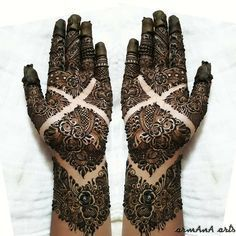 "10.6k Likes, 41 Comments - ✨ Daily Henna Inspiration ✨ (@hennainspo_) on Instagram: ""detailed bridal // by @shaikh.armana11 - with inspiration from @mehndi_by_naaz . . . . . . .…"""