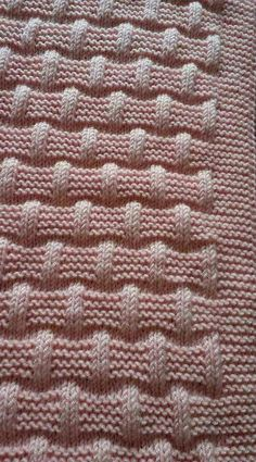 Lattice with seed stitch - Square knitting pattern Baby Knitting Patterns, Knitting Stiches, Knitting Charts, Stitch Patterns, Crochet Patterns, Seed Stitch, Knitted Baby Blankets, Crocheting, Simple Pattern