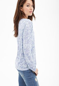 This looks super comfy, and I love the pretty pattern!