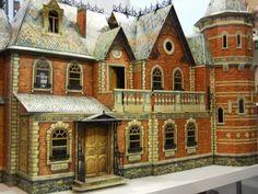 Amazing dollhouse!                                                                                                                                                                                 More
