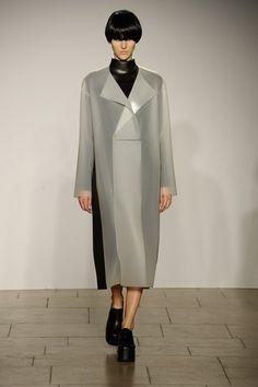 London College of Fashion MA - Autumn/Winter 2015-16 Ready-To-Wear London Fashion Week - Look 8 of 98