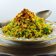 Fragrant, nutty and spiced. This spiced cashew brown rice will make you want to go back for seconds. Easy Rice Recipes, Side Dish Recipes, Gluten Free Recipes, Vegan Recipes, Chef Recipes, Recipies, Vegan Side Dishes, Rice Dishes, Healthy Rice