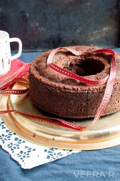 Gluten free date cake is baked with almond flour and naturally sweetened with dates. The cake gets it's dark color from coffee. Gluten Free Deserts, Gluten Free Treats, Gluten Free Cakes, Gluten Free Baking, Vegan Baking, Gluten Free Recipes, Baking Recipes, Healthy Cake, Vegan Cake