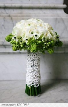 bloemstuk met kant