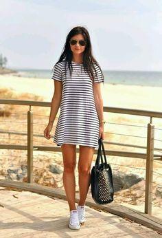 Espectaculares vestidos de rayas   Moda en vestidos