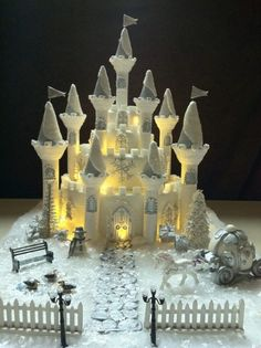 Very beautiful castle!  I have the basic kit this person used but I don't know if I could do this one!