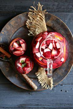 Sangria #beverage #sangria #foodandvintage #drinks #foodstyling #foodphotography