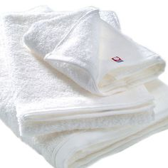 Imabari Towel (Japanese traditional craft in Ehime prefecture) / Imabari Towel products are the fruit of over 110 years' experience manufacturing with constantly improving technologies. Striving to achieve the highest quality possible has always been our mission and source of pride. Ehime, Traditional Japanese, Cool Gifts, Cool Stuff, Stuff To Buy, Towel, Fruit, How To Make