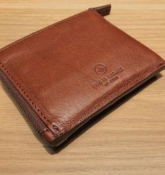 Reserve wallet shows how cognac ages. #tigreserve