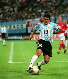 Argentina 0 England 1 in 2002 in Sapporo. Ariel Ortega tries to muster something late on for Argentina in Group F #WorldCupFinals