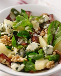 Salade met peer, roquefort en spek: bij zelf proberen geen roquefort gebruikt, maar geitenkaas. Lekker!