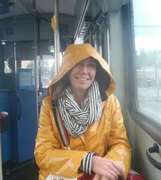 Vinyl Raincoat, Pvc Raincoat, Yellow Raincoat, Rainy Day Fashion, Rubber Raincoats, Winter Parka, Puffy Jacket, Pvc Vinyl, Rain Wear