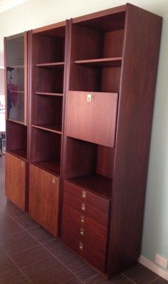 Wall Unit / Cabinet - Retro with drop down bar