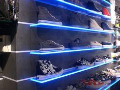 #schoenenpresentatie #helbigpacaya #eyecatcher #shoppingexperience