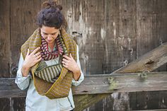 Ravelry: Two Tone Cowl pattern by Annie Rowden