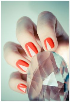 simple and impressive nail pattern orange and beige