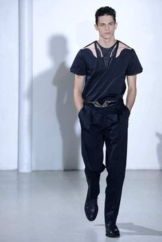 Paris Fashion Week: Mugler men's fall-winter 2013 - latimes.com