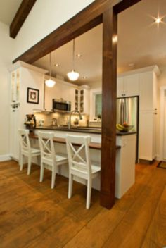 Creative ways to incorporate support column in your home design 34