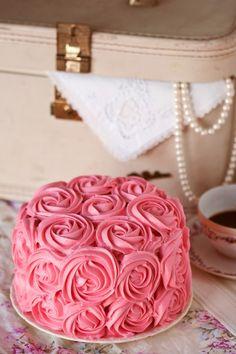 rose bouquet strawberry cake