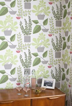 Missprint House Plants Olive Green Wallpaper at best price. Stunning designer wallpaper available online to order and buy today with quick delivery. Art Nouveau, Art Deco, Plant Wallpaper, New Wallpaper, Hallway Wallpaper, Bathroom Wallpaper, Olive Green Wallpaper, Retro Tapet, Inspirational Wallpapers