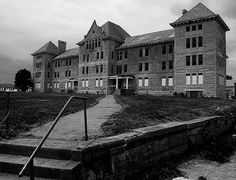 Bartonville Insane Asylum The abandoned former Peoria State Hospital (also known as Bartonville State Hospital, or the Illinois Asylum for the Incurable Insane). It opened in 1902 and closed in 1973.  It is reported to be haunted.  Follow the link for the details.