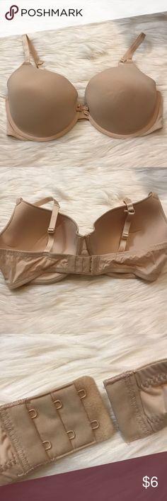 ❄️50% OFF BUNDLES❄️ NWOT T shirt bra Worn once to try on. Size 36DD. Xhilaration Intimates & Sleepwear Bras