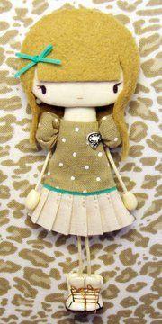 Sago Veronica Dolls Dolls, Felt Dolls, Cute Dolls, Muñeca Diy, Diy Crafts, Felt Brooch, Sewing Toys, Doll Patterns, Kids And Parenting