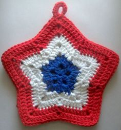 Fourth of July Ideas! Crochet Bunting Free Pattern, Crochet Star Patterns, Crochet Coaster Pattern, Potholder Patterns, Crochet Stars, Crochet Potholders, Holiday Crochet, Crochet Home, Crochet Hot Pads