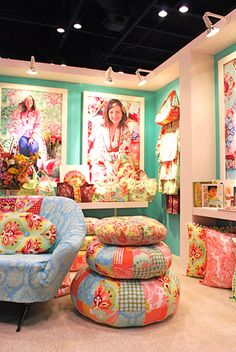 amy butler trade show booth. Would love to make some of these floor pillows! Trade Show Booth Design, Display Design, Display Ideas, Craft Fair Displays, Booth Displays, Amy Butler, Craft Stalls, Exhibition, Commercial Design