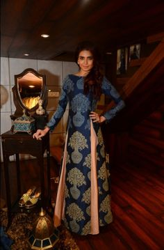 Karishma Tanna in Istanblu by Sonam and Paras Modi Indian Gowns, Indian Attire, Indian Ethnic Wear, Pakistani Dresses, Indian Wedding Outfits, Indian Outfits, Patiala Salwar, Anarkali, Lehenga