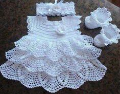 "Sweet Crocheted Baby Dress ""Afbeeldingsresultaat voor free crochet patterns for baby bolero"", ""Vestido para as migalhas - Plate. Crochet Baby Dress Pattern, Baby Dress Patterns, Baby Girl Crochet, Crochet Baby Clothes, Crochet For Kids, Knit Crochet, Crochet Patterns, Booties Crochet, Knitting Patterns"