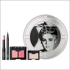 Andy Warhol makeup  - The bright colors frequently seen in Warhol's eye-catching prints and the celebrity culture that defined his work come together in the limite...