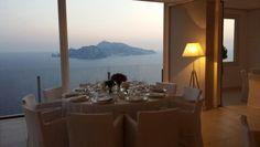 Il tavolo è pronto. #difiorefotografi #capri #wedding #matrimonio #location #napoli