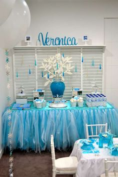 Frozen (Disney) Birthday Party Ideas | Drink Station