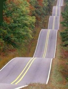 Roller coaster road in Tulsa, Oklahoma , USA