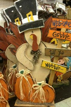 Tall rustic Turkey wood craft. Thanksgiving Craft.  Fall craft.