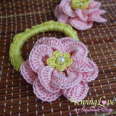 20+ Lovely Crochet Flowers: {Free Patterns & Instructions ♡ Teresa Restegui http://www.pinterest.com/teretegui/ ♡