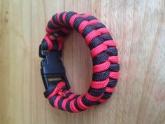 Need to learn how to make a fishtail paracord bracelet!!