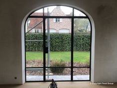 Stalen deur met boog Villa, Windows, Atelier, Fork, Villas, Ramen, Window