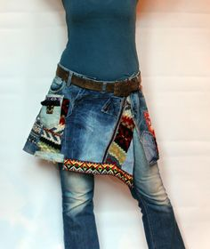 L Crazy denim and sweaters recycled short mini skirt hips warmer hippie boho style - Joyce Rodriquez Red Mini Skirt, Mini Skirts, Rainbow Cardigan, Sweaters And Jeans, Diy Clothes, Thrift Clothes, Hippie Boho, Boho Fashion, Warts