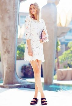 How To Style: Birkenstock Sandals For Women 2020 Estilo Birkenstock, Birkenstock Style, Birkenstock Sandals, Shift Dresses, Shift Dress Outfit, White Eyelet Dress, White Lace, Mini Vestidos, Street Style