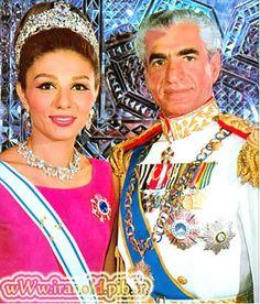 Reza Shah and Farah Diba..........http://www.pinterest.com/pin/569916527818022233/