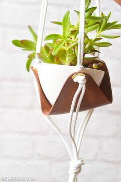 DIY: macetero colgante de cuero   La Garbatella: blog de decoración de estilo nórdico, DIY, diseño y cosas bonitas.