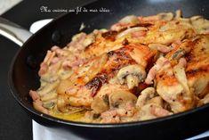 Suprêmes de poulet aux champignons, lardons, échalotes et miel