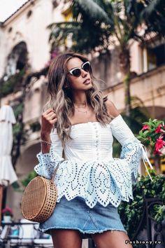 Женственные верхи 2017: блузы, топы, рубашки